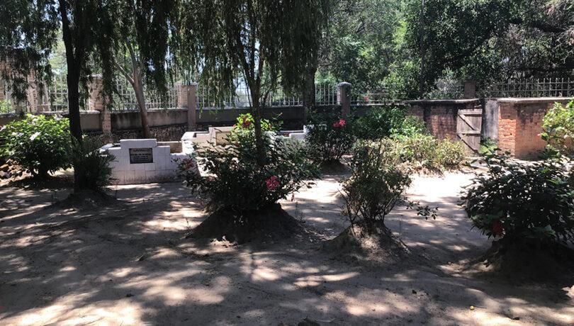 Chiefs Graveyard at Kalenga